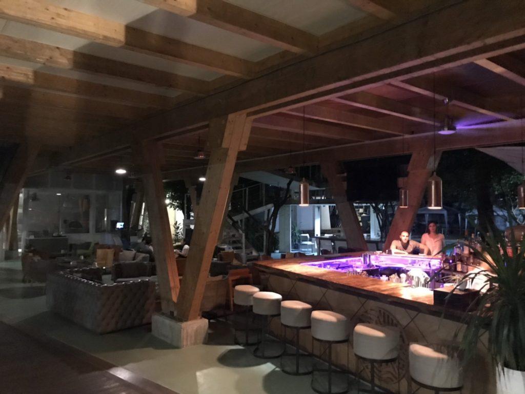 セブ島 レストラン バー