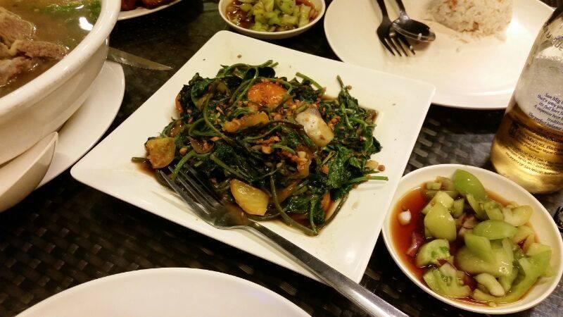 フィリピン セブ島留学 フィリピン料理 空心菜の炒め物
