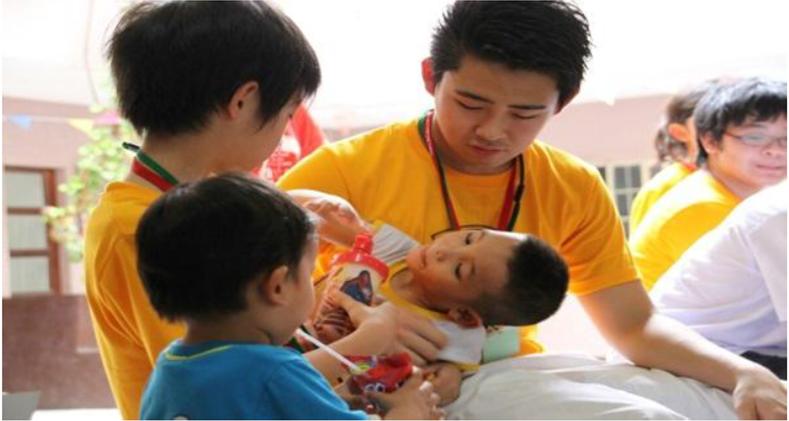 フィリピン留学 セブ島留学 ジュニアキャンプ 孤児院訪問