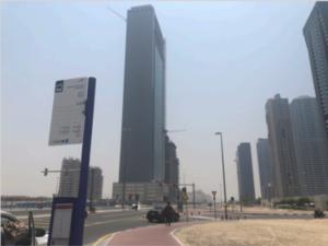 ドバイ 留学 ES Dubai バス停から教室までの行き方 1