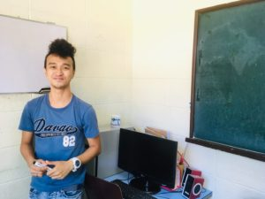 フィリピン ダバオ E&G校のMhyl先生