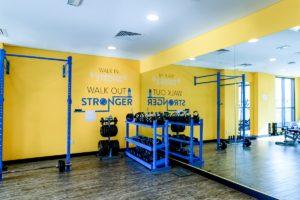 ドバイ留学 ES Dubai Uninest 学生寮 gym