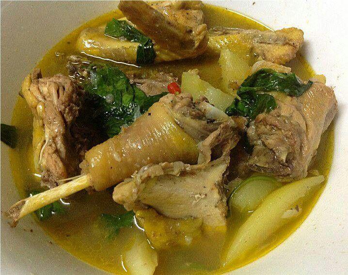 フィリピンローカルフード カルメンシティの名物 Native Chicken Soup(地鷄スープ)