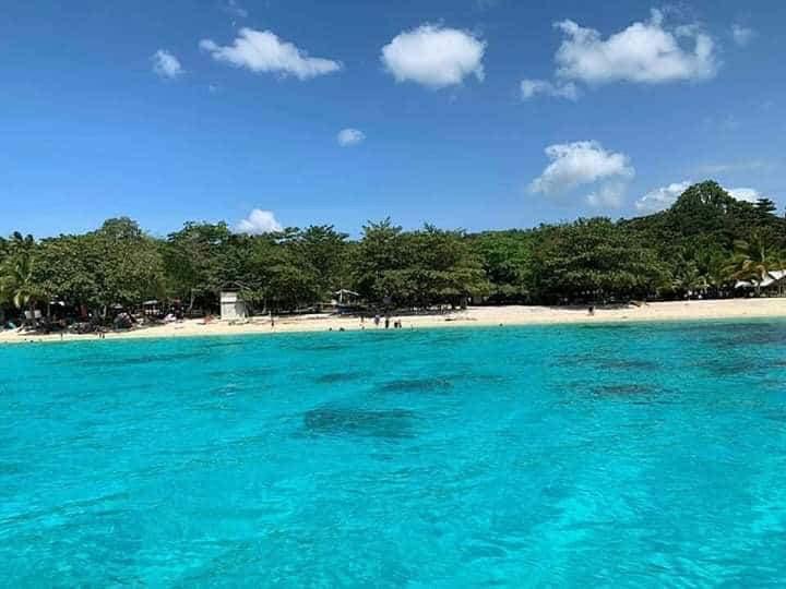ダバオ サーマル島 ビーチ
