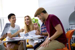 ドバイ留学 ES Dubai (English Studies Dubai) Speakingコース